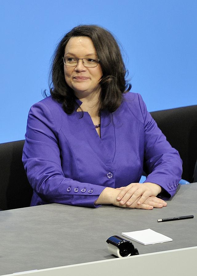 Unterzeichnung_des_Koalitionsvertrages_der_18._Wahlperiode_des_Bundestages_(Martin_Rulsch)_110_(cropped)
